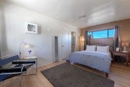 Suite 5-1600