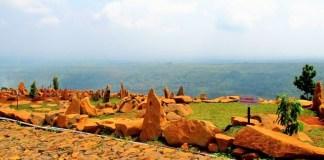Bukit Batu Songgong Nganjuk Jawa Timur/Foto: Traveler Emer