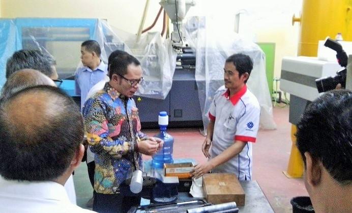 Menteri Hanif Bersama jajaran di Balai Latihan Kerja (BLK) Bandung, Rabu (5/10)/Foto: Dok. NFD