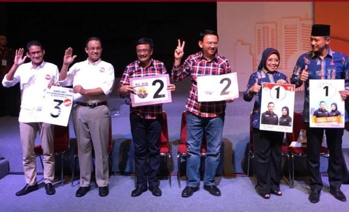 Ketiga Pasangan Calon gubernur berposes usai pengundian nomor urut Foto IST