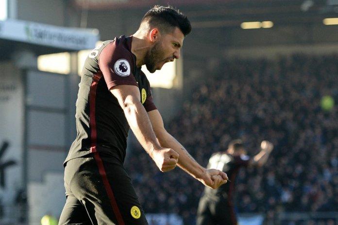Aguero ekspresikan kegembiraannya usai mencetak gol. Foto Dok. Premier League