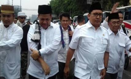 Fahri Hamzah dan Fadli Zon tampak jalan beriringan saat ikut Aksi 4 November. Foto via monitorday