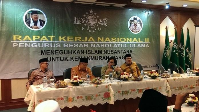 Menteri Keuangan Sri Mulyani (Tengah) pada diskusi opening ceremony Rapat Kerja Nasional Ke II PBNU. Sabtu (19/11/2016)/Foto Haitem / NUSANTARAnews