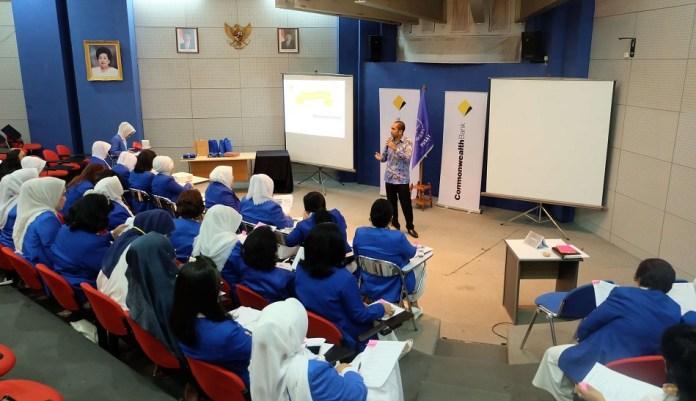 Bagian dari kerja sama strategis Commonwealth Bank dan IWAPI, dengan pengusaha UKM wanita. Foto Dok. Pribadi