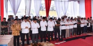 Presiden Jokowi Sholat Jumat Berjamaah 212/Foto Istimewa (@Jokowi)