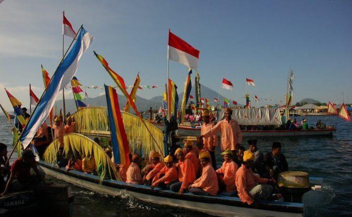 Kesultanan Ternate Saat Rayakan Ritus Kololi Kie. Foto via molied