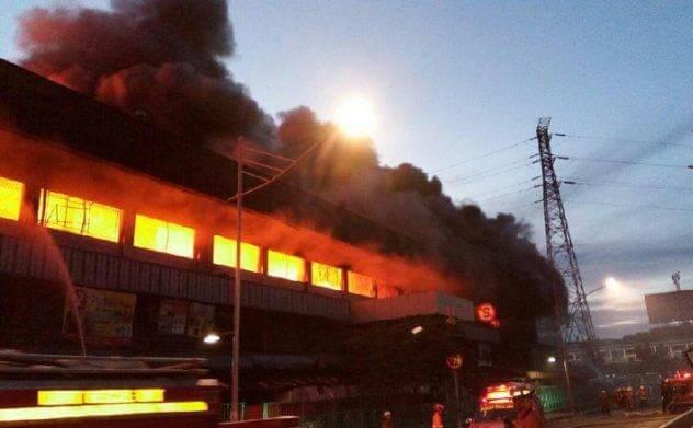 Pasar Senen saat terjadi kebakaran, Kamis (19/1/2017) pagi/Foto: Indowarta