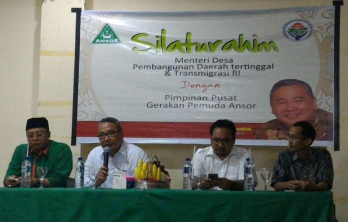Tampak menteri desa Eko Putro Sandjojo berbicara saat gandeng Ansor untuk sukseskan pembangunan Desa. Foto Dok. Pribadi/Nusantaranews