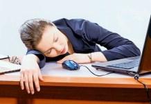 Ilustrasi tidur siang di kantor/Foto: Irish Daily Star