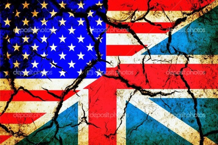 Usa and England flag together on grunge background — Stock Photo