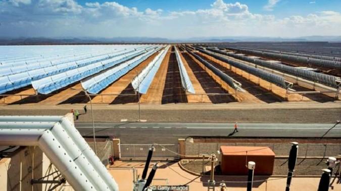 Pembangkit listrik tenaga surya di Afrika/Foto: Getty