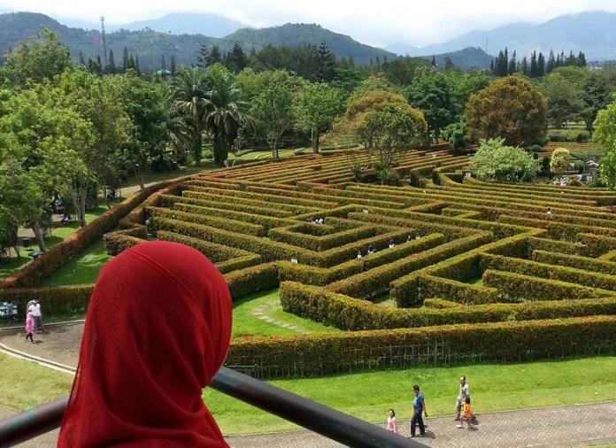 Taman Bunga Nusantara/Foto Nur Arfie/Nusantaranews