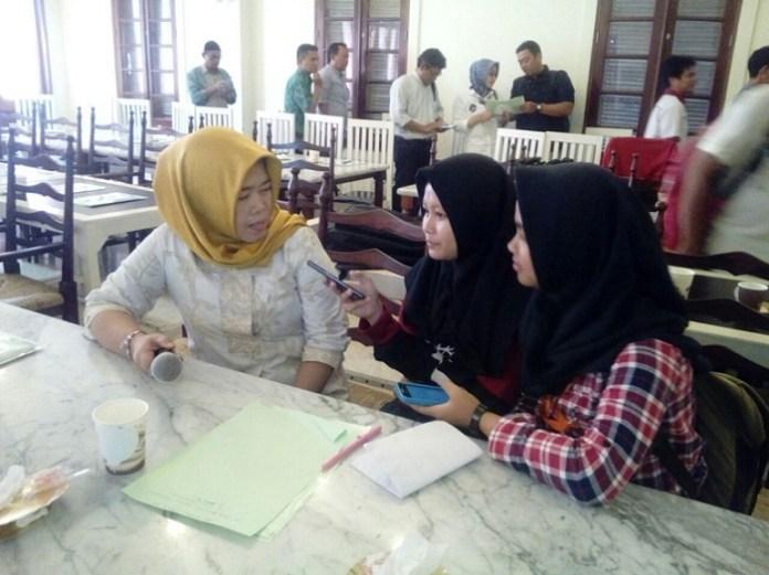 Elvita Fitriani Koordinator Kotaku Pemkot Tangsel saat wawancara usai acara/Foto JWI