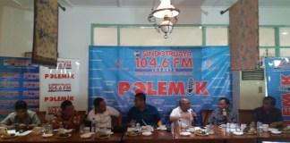 Masinton Pasaribu dalam diskusi publik bertajuk 'Perang Politik e-KTP', di Warung Daun Cikini, Jakarta Pusat, Sabtu, (18/3/2017)/Foto Restu Fadilah/NUSANTARAnews