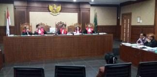 Franky Tambuwun memberikan sindiran keras kepada Anggota Komisi V DPR (Dewan Perwakilan Rakyat) RI dari fraksi Hanura, Miryam S Haryani/Foto Restu Fadilah / NUSANTARAnews