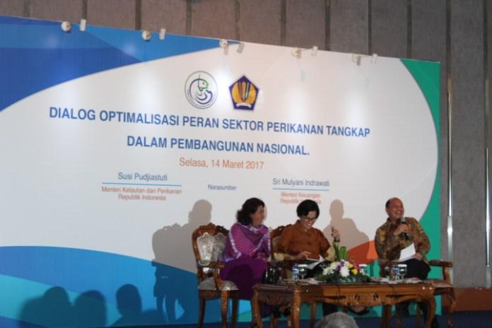 Menteri Susi Pudjiastuti dan Menteri Sri Mulyani/Foto Andika/Nusantaranews