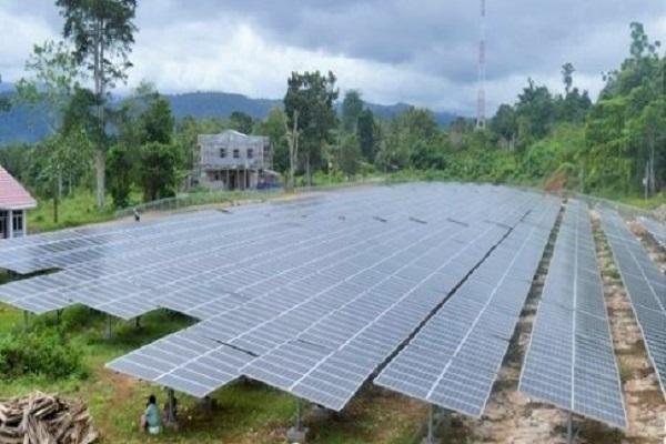 Pembangkit Listrik Tenaga Surya di Perbatasan Indonesia - Papua Nugini/Foto: Dok. Antara Foto