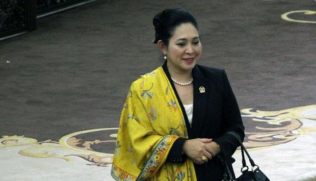 Titiek Soeharto di mimbar utama pada jeda Sidang Paripurna pemilihan Pimpinan MPR di Gompleks Parlemen Senayan, Jakarta, 7 Oktober 2014. Foto: TEMPO/Dhemas Reviyanto
