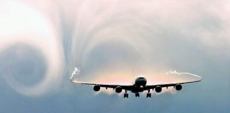 Naik Pesawat Kini Tak Nyaman, Sebab Banyak Goncangan. Ilustrasi Foto: Naik Pesawat Kini Tak Nyaman