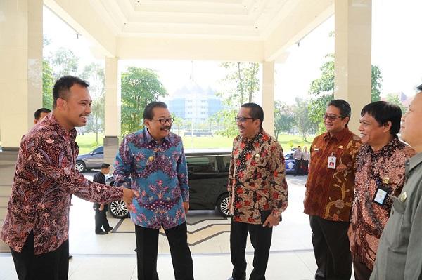 Gubernur Jawa Timur hadiri diskusi percepatan swasembada tanaman jagung dan pembangunan Madura di Universitas Trunojoyo Bangkalan Madura. Foto Tri Wahyudi