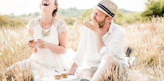 Sepasang kekasih yang bahagia. Ilustrasi/Foto: girlsallaround.com