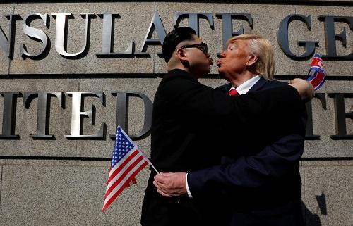 Presiden AS Donald Trump dan Pemimpin Korut Kim Jong-un. Foto Reuters/Bobby Yip