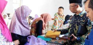 Batik Khas Ponorogo Ikut Semarakkan Pameran UKM di Musda Nasyiatul Aisiyah Ponorogo/Foto Muh Nurcholis/Nusantaranews