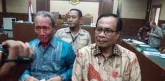 Mantan Dirjen Dukcapil, Irman usai membacakan pledoi di Pengadilan Tipikor, Bungur, Jakarta Pusat, Rabu (12/7/2017). Foto Restu Fadilah/ NUSANTARAnews.co