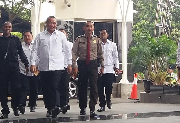 Menteri Desa, Pembangunan Daerah Tertinggal dan Transmigrasi, Eko Putro Sandjojo ke kantor KPK/Foto Restu Fadilah/Nusantaranews
