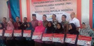 Penyaluran Bantuan KPH Pemkab Pacitan/Foto Dok. Pribadi/Nusantaranews