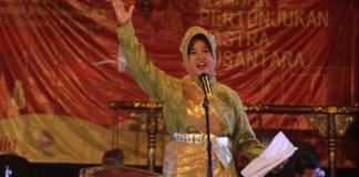 Pembacaan puisi perwakilan provinsi Aceh, Salah Satu penampilan pada Pertunjukan Mimbar Sastra 2016. Foto: Dok. Panitia/Istimewa