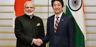 Perdana Menteri Jepang dan India, Shinzo Abe-Narendra Modi sepakat memperdalam hubungan pertahanan kedua negara untuk mengimbangi dominasi China di Asia. (Foto: PTI)