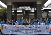 Prof. Dr. Ir. Ali Agus, bersama Prof. Budi Guntoro foto bersama peserta Summer Course 2nd/Foto Dok. Pribadi/Nusantaranews