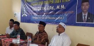 Anggota DPRD Provinsi Jawa Timur, Suli Da'im saat mengunjungi SMP Thoriqul Huda, Desa Cekok, Kecamatan Babadan, Kabupaten Ponorogo. Foto Muh Nurcholis/ NusantaraNews