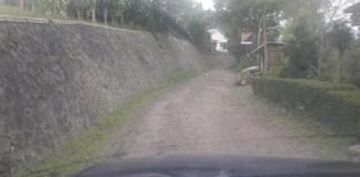 Akses Jalan yang sempit menuju Wana Wisata Jurang Senggani. Foto Tri Wahyudi/ NUsantaraNews