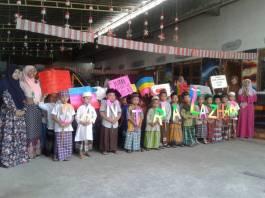 Peringatan Hari Santri Nasional yang digelar di Kudus oleh anak-anak KB Al-Azhar. (Foto: Achmad Fakhrudin)