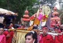Warga Kelurahan Pojok Kecamatan Mojoroto Kota Kediri gelar kirab budaya guna lestarikan identitas bangsa. Foto Candra Yuniarti/ NusantaraNews