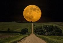 Bulan Besar (New Moon). Foto: Dok. curiator.com