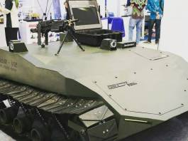Tank tanpa awak ini dirilis dalam sebuah acara bertajuk grand launching WAR-V2-Autonomous Military Tactical Vehicle di Exhbistion Hall, Grand City, Surabaya, 19-22 Oktober 2017. (Foto: Instagram)