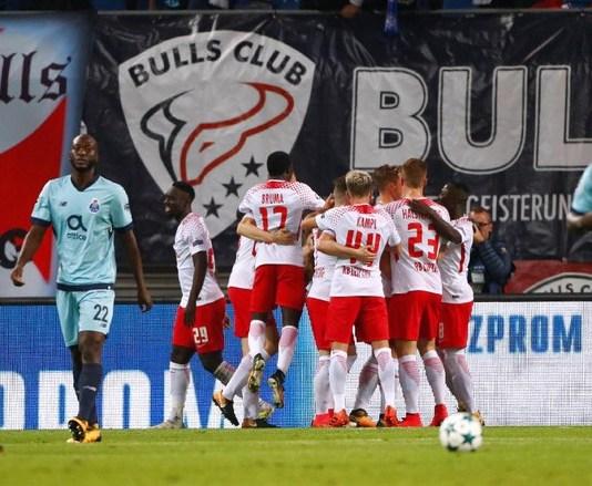 Para pemain RB Leipzig merayakan gol ke gawang Porto. (Foto: Reuters)