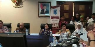 Menteri Sosial Khofifah Indar Parawansa di Kantor Staf Presiden, Jakarta (23/10/2017). (Foto: Ricard Andika/NusantaraNews)