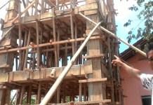 Pengerjaan fisik program pamsomas bantuan APBN nilai ratusan juta belum beres di kerjalan terpantau di desa Karanhmukti Purwakarta. Foto Fuljo