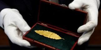 Daun Emas Mahkota Kaisar Perancis, Napoleon Bonaparte. Foto: REUTERS