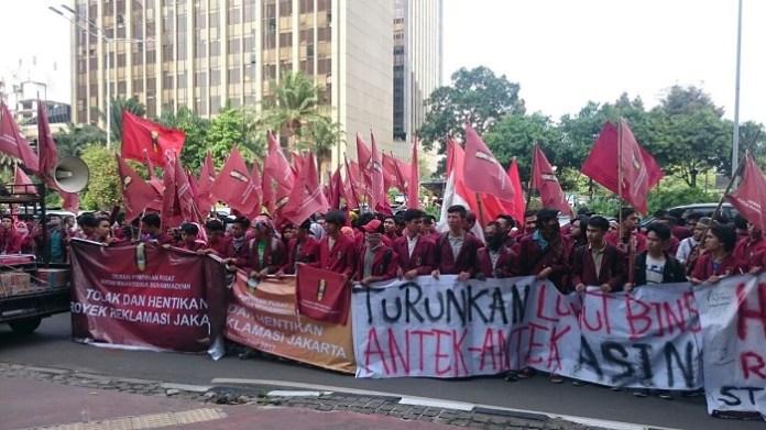 Aksi Aktivis IMM desak Menko Maritim Luhut Binsar Pandjaitan dipecat karena dukung Reklamasi. Foto : DPP IMM