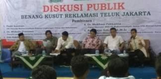 Diskusi publik bertajuk Benang Kuust Reklamasi Teluk Jakarta, Jakarta, jumat (17/11/2017). Foto: Istimewa