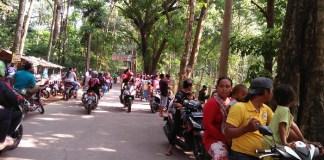 Warga setiap weekend sabtu minggu padat mengunjungi kawasan hutan Cikampek Timur. Foto Fuljo/ NusantaraNews
