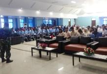 Komandan Ramil 0803/01 Taman Kapten Inf Waluyo Siswa Siswi SMA Se Kota Madiun untuk menjada NKRI. Foto Safuan/ NusantaraNews