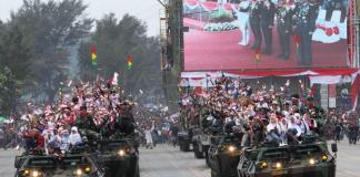 Masyarakat ikut bersuka cita merayakan HUT TNI ke-72 pada 5 Oktober lalu. Foto: Dok. Istimewa