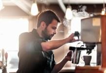 Peracik kopi atau barista (Foto via onttencoffe)