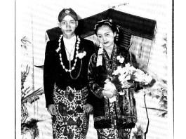 Foto Pernikahan Rendra dengan Sunarti Soewandi, 31 Maret 1959. Foto: Dok. Keluarga Sunarti